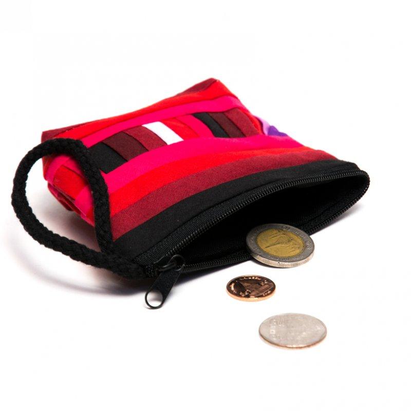 リス族刺繍のカラフルコインケース(レッド)