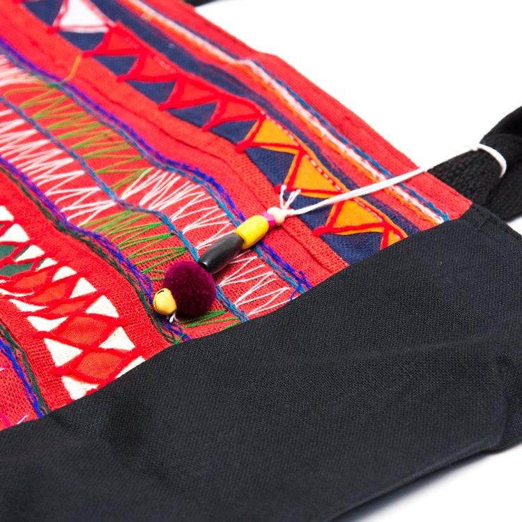 画像2:アカ族刺繍の大判トートバッグ Type.2