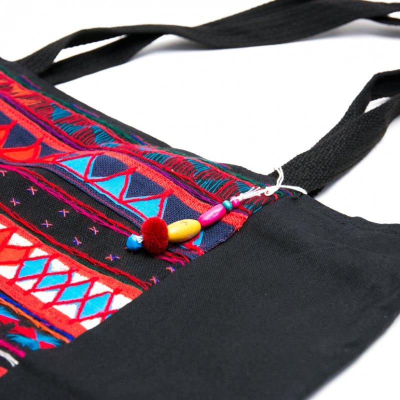アカ族刺繍の大判トートバッグ Type.3