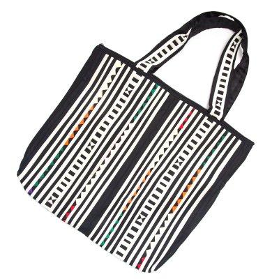 リス族刺繍 カラフルな大判トートバッグ(ホワイト)