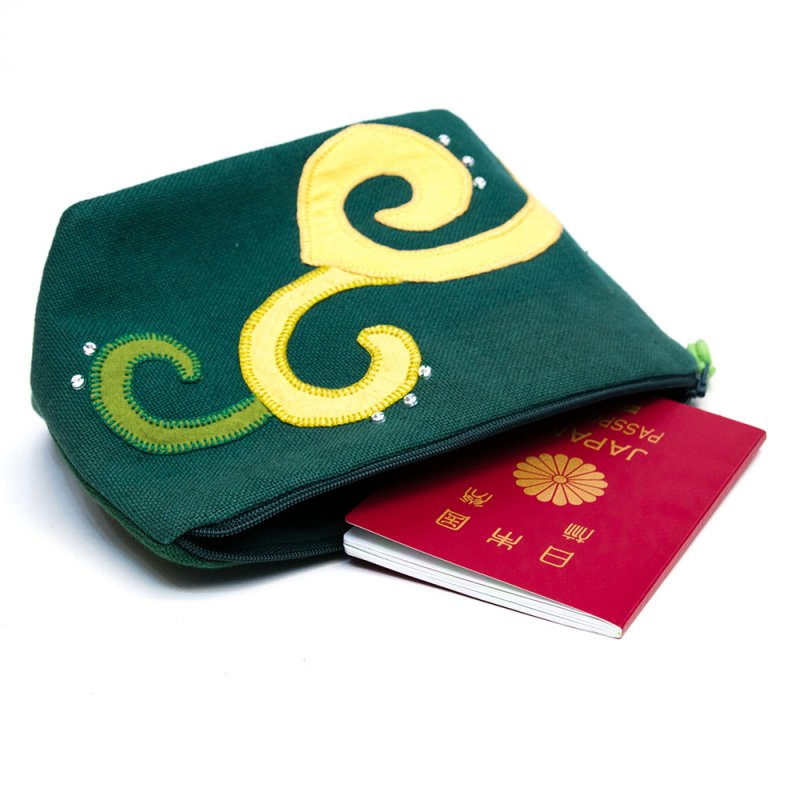 ベトナム ヌン族 手刺繍 コスメポーチ(C)