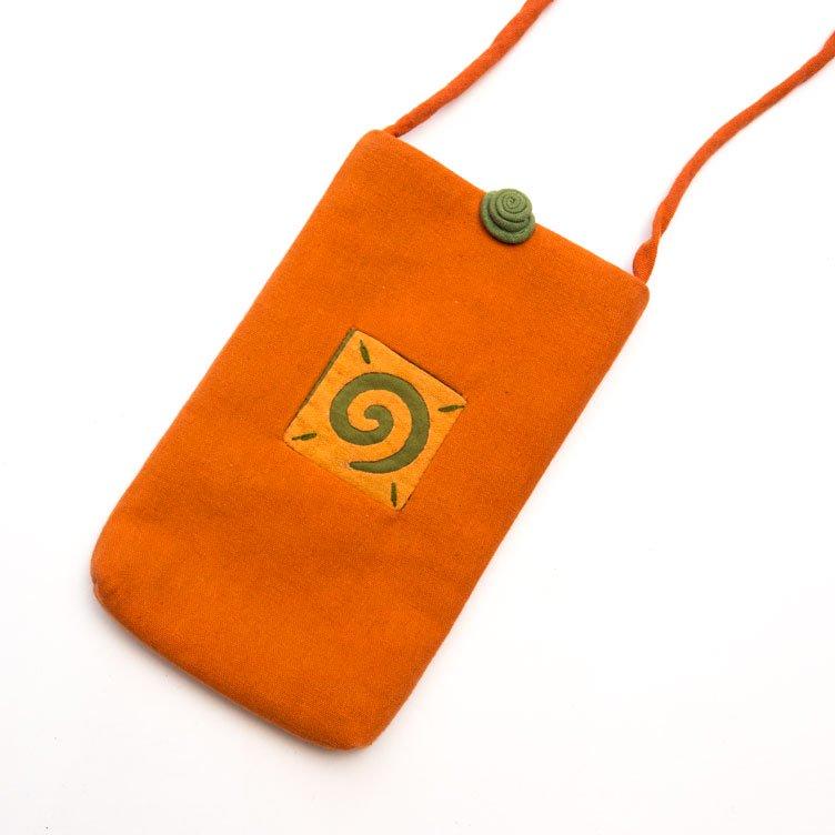 ベトナム 白モン族 手刺繍 グルグル模様 スマホポーチ