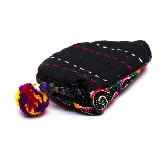 ベトナム 白モン族 手刺繍 ぐるぐる模様 ミニポーチ(C)
