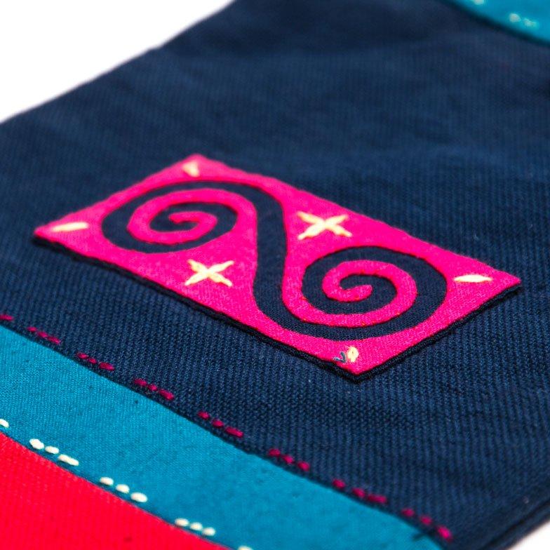 ベトナム 白モン族 手刺繍 ポシェット