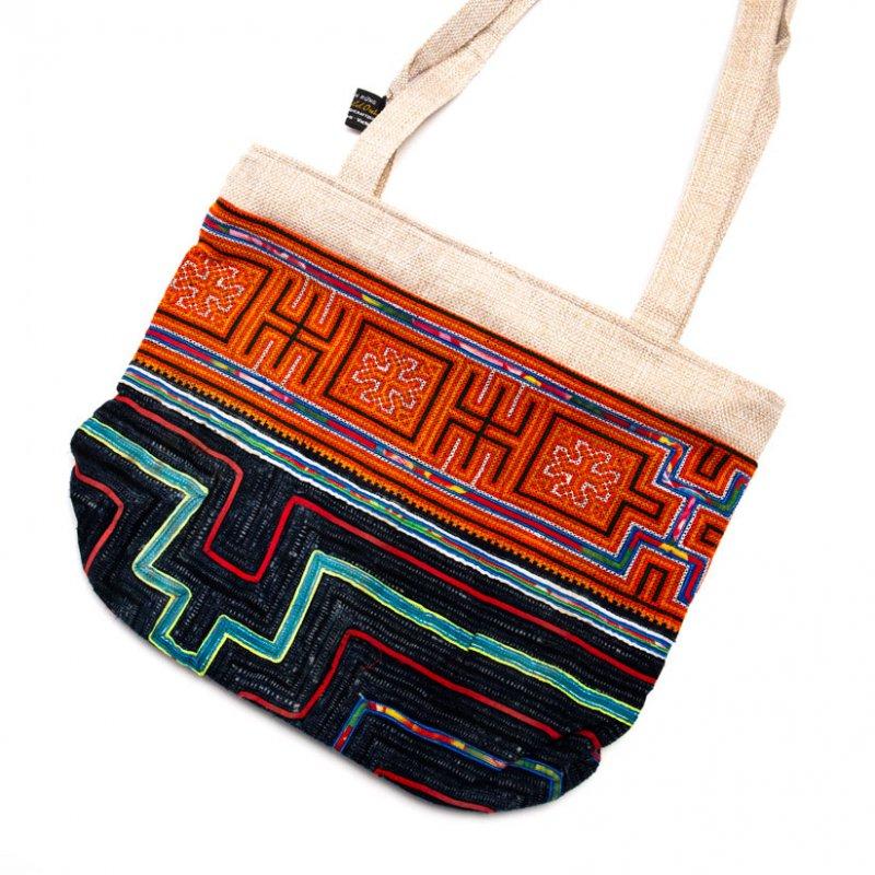 ベトナム 黒モン族 手刺繍&バティック ショルダーバッグ(A)