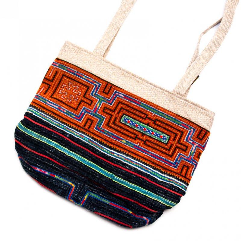 ベトナム 黒モン族 手刺繍&バティック ショルダーバッグ(B)