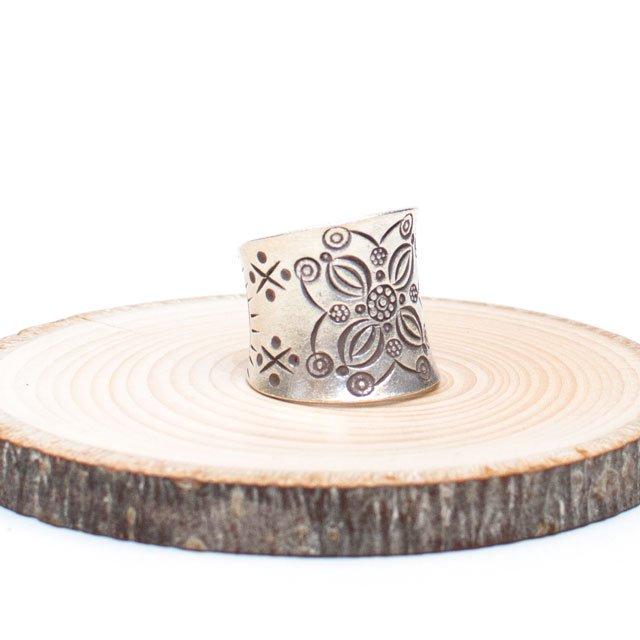 【カレン族シルバー リング・指輪】蓮の花文様の幅広アクセサリー