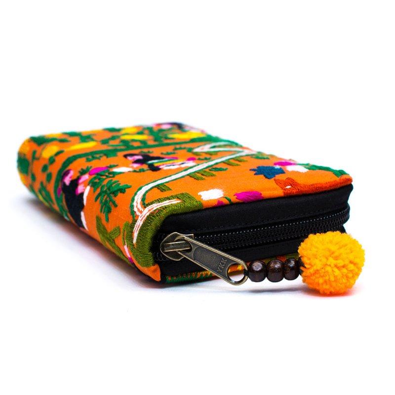 画像2:ラオス モン族のイラスト刺繍長財布 Type.2
