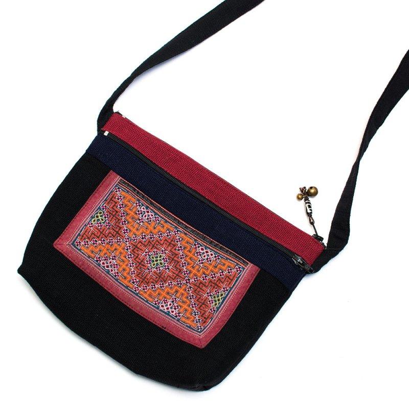 ThongPua モン族刺繍古布の肩掛けポシェット Type.3