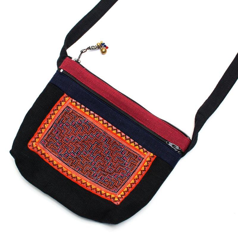 ThongPua モン族刺繍古布の肩掛けポシェット Type.5