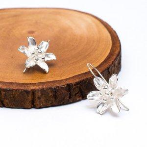 【カレン族シルバー ピアス】かわいいお花のシルバーピアス