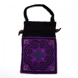 A Bu-Ali(アブアリ)モン族刺繍の巾着ポーチ Type.6
