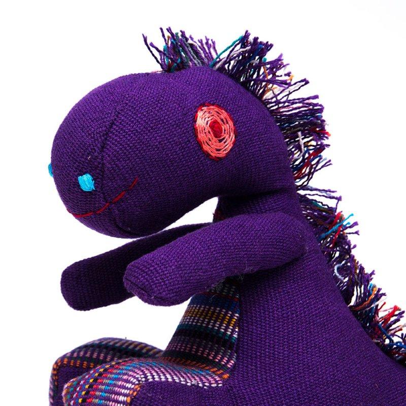画像4:<フェアトレード>WSDO 恐竜さんの手縫いぬいぐるみ Type.2