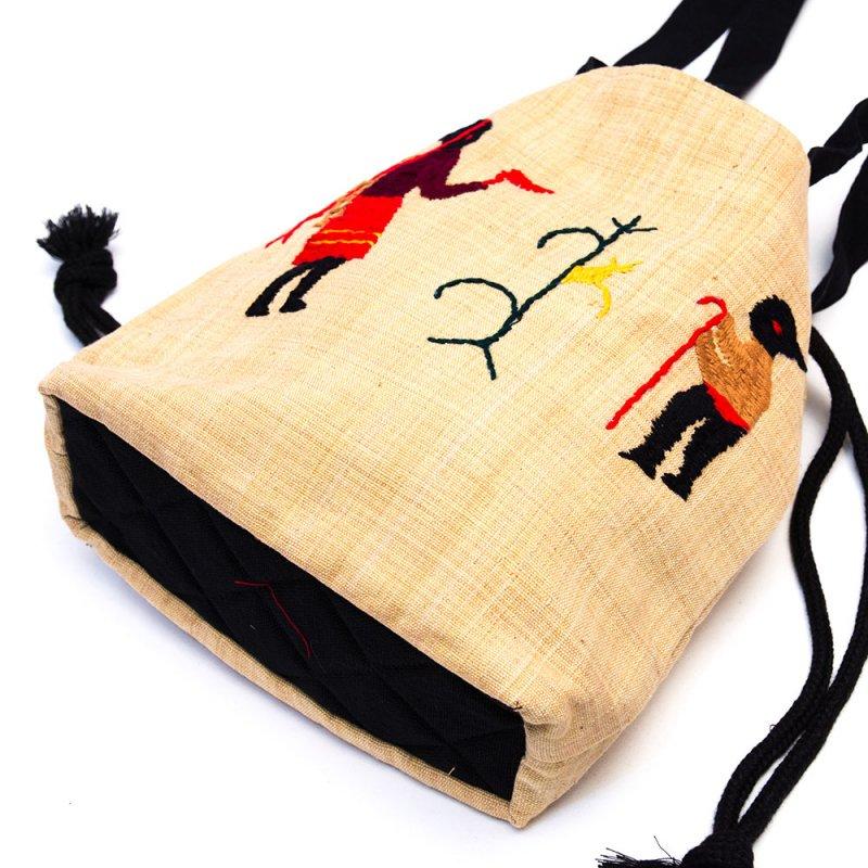 画像4:ナガ族 手織布と手刺繍の巾着トートバッグ Type.4