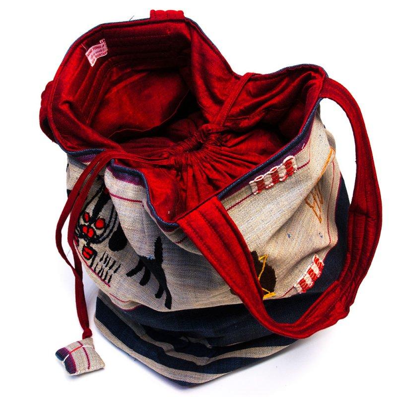 画像3:ナガ族 手織布と手刺繍の大判巾着トートバッグ Type.4