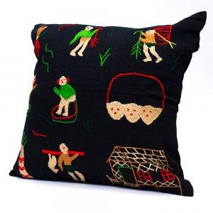 ナガ族 手織布と手刺繍のクッションカバー Type.1