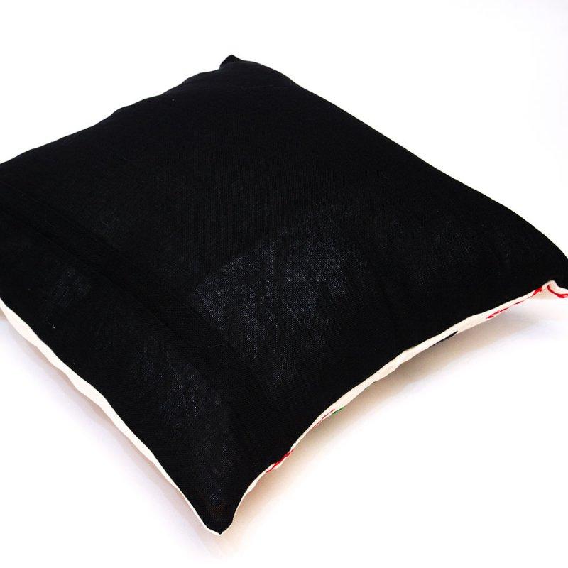画像2:ナガ族 手織布と手刺繍のクッションカバー Type.10