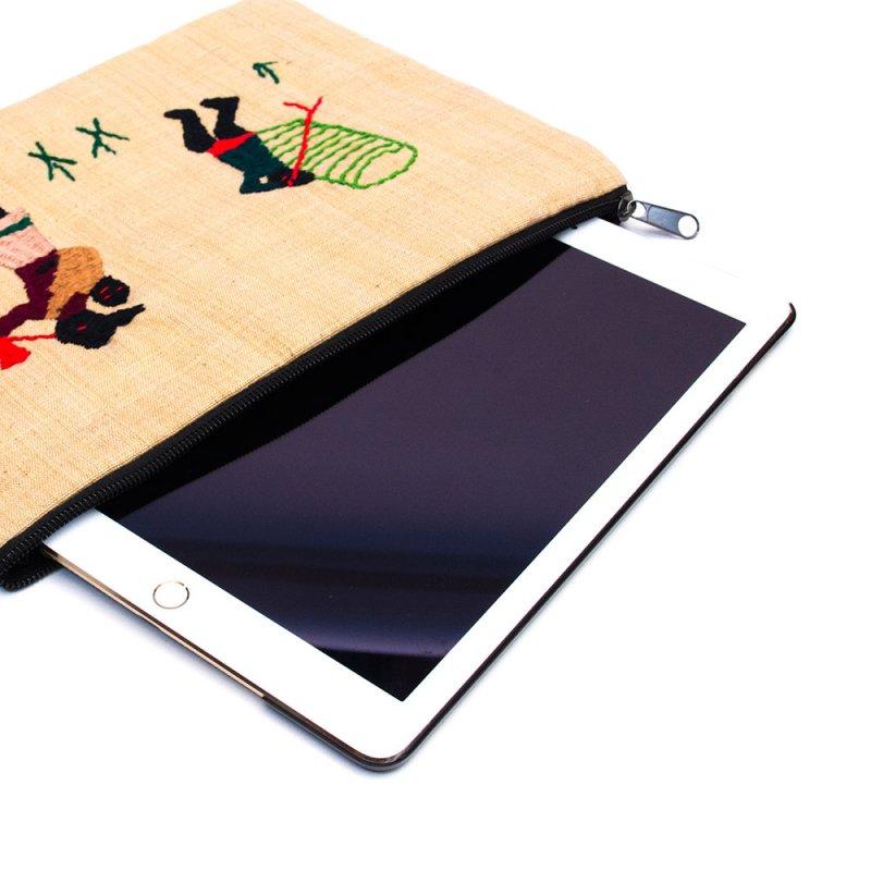 画像2:ミャンマー ナガ族 手刺繍のタブレットケース Type.1