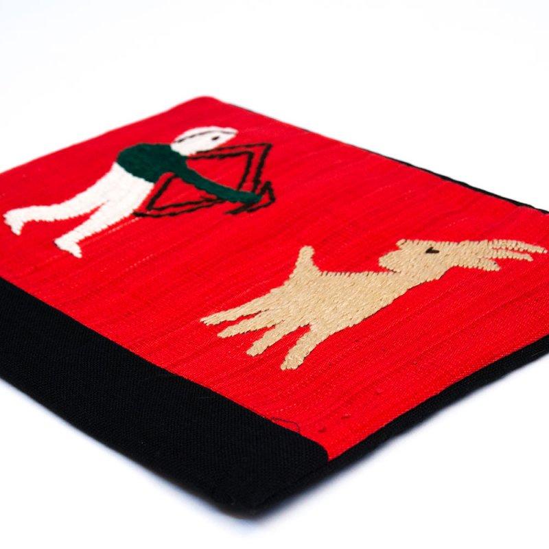 画像3:ミャンマー ナガ族 手刺繍のタブレットケース Type.2