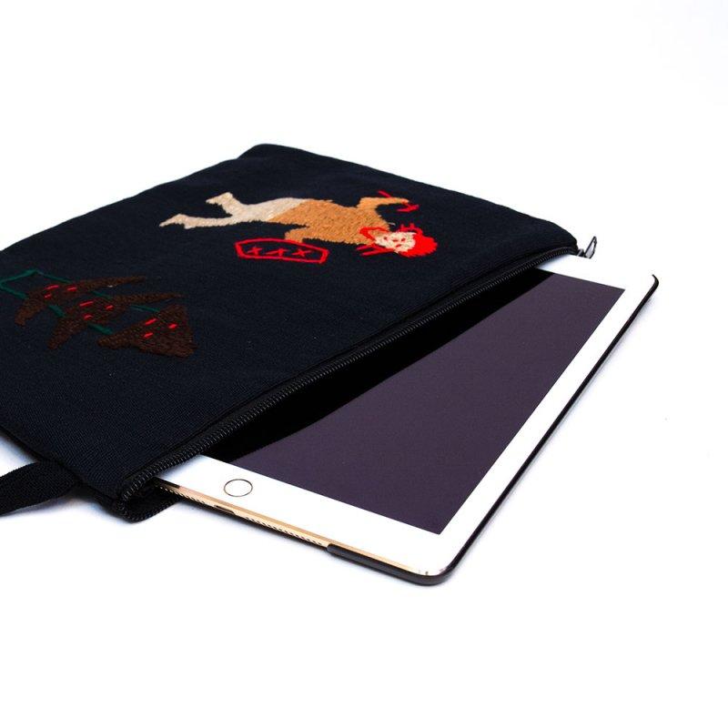 画像2:ミャンマー ナガ族 手刺繍のタブレットケース Type.4