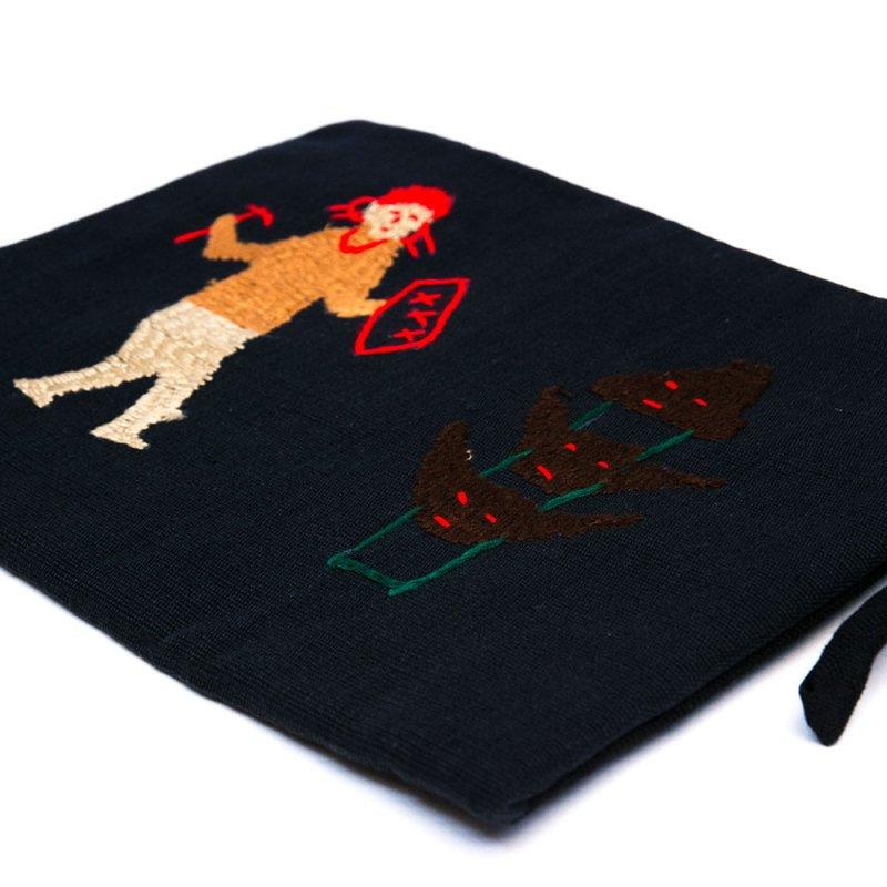 画像3:ミャンマー ナガ族 手刺繍のタブレットケース Type.4