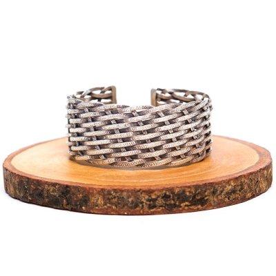 【カレン族シルバー バングル】カレン族伝統の力強い刻印と重厚なデザイン