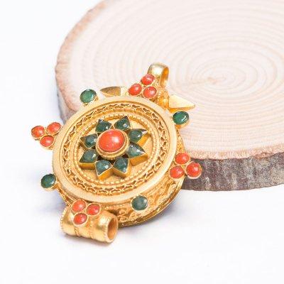 【チベット密教仏具】ガウ(Ghau)/曼荼羅/金装飾/シルバー/アンティークペンダント