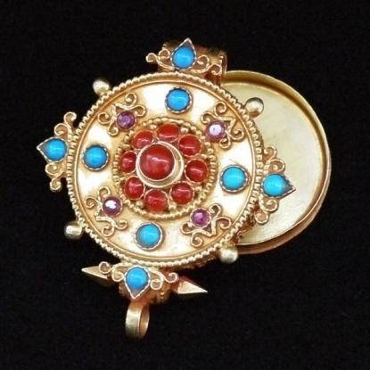 【チベット密教仏具】ガウ(Ghau)/曼荼羅/金装飾/シルバー/アジアンペンダント