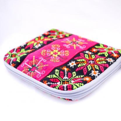 モン族刺繍の色鮮やかなコスメポーチ
