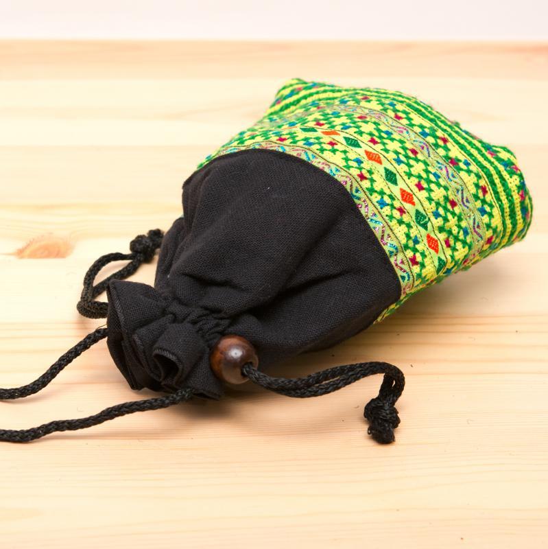 画像3:【モン族雑貨】民族刺繍入り巾着ショルダーポーチ(黄)/タイ山岳少数民族