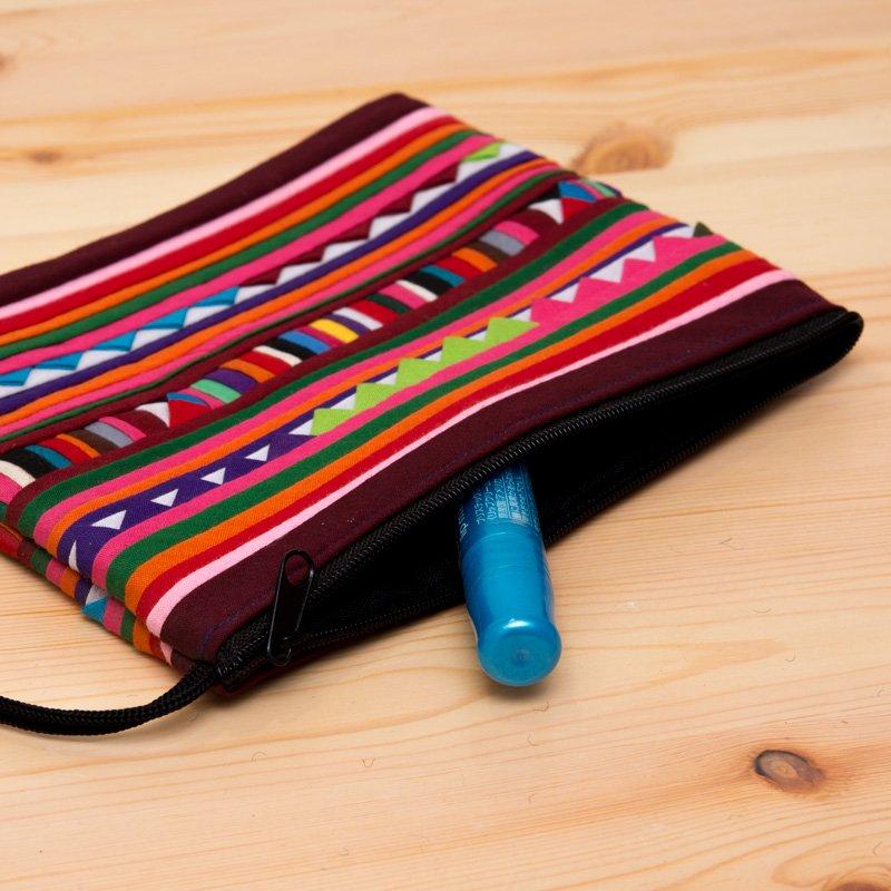 リス族刺繍のモダンなハンドメイドポーチ M-size(ワインレッド)