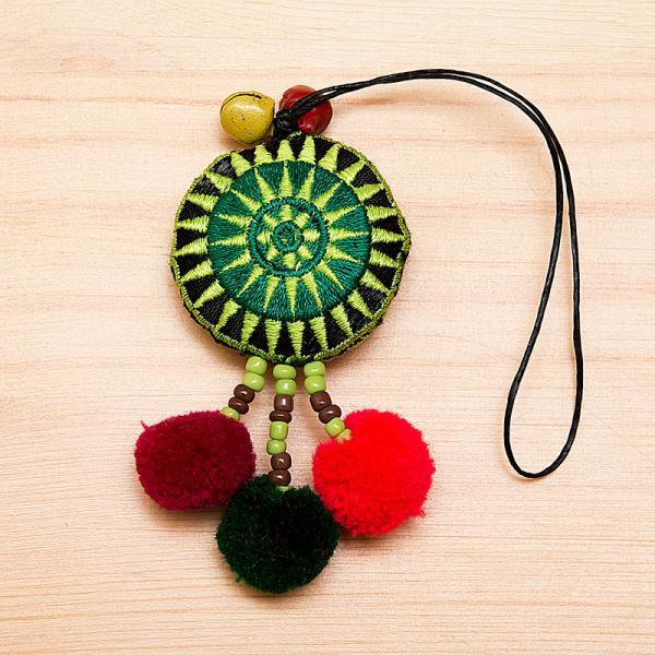 【モン族雑貨】タワン(太陽)ポンポンストラップ(緑)/エスニックファッション