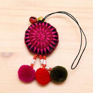モン族刺繍 タワン(太陽)ポンポンストラップ(ピンク)
