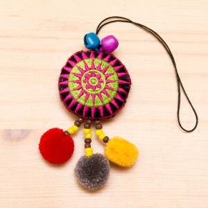 モン族刺繍 タワン(太陽)ポンポンストラップ(黄緑)