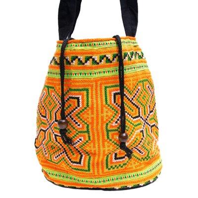 モン族 民族刺繍の古布を使用した手提げバッグ(巾着仕様)