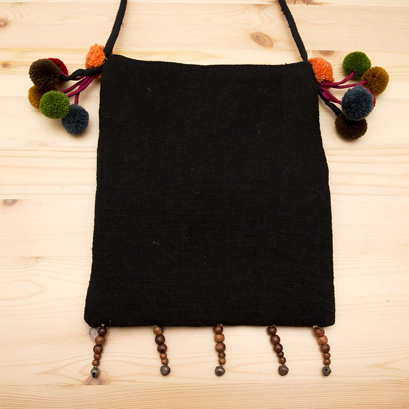 画像4:【モン族バッグ】モン族古布のボンボンポシェット|タイ民族ファッション