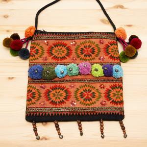 【モン族バッグ】モン族古布のボンボンポシェット|タイ民族ファッション