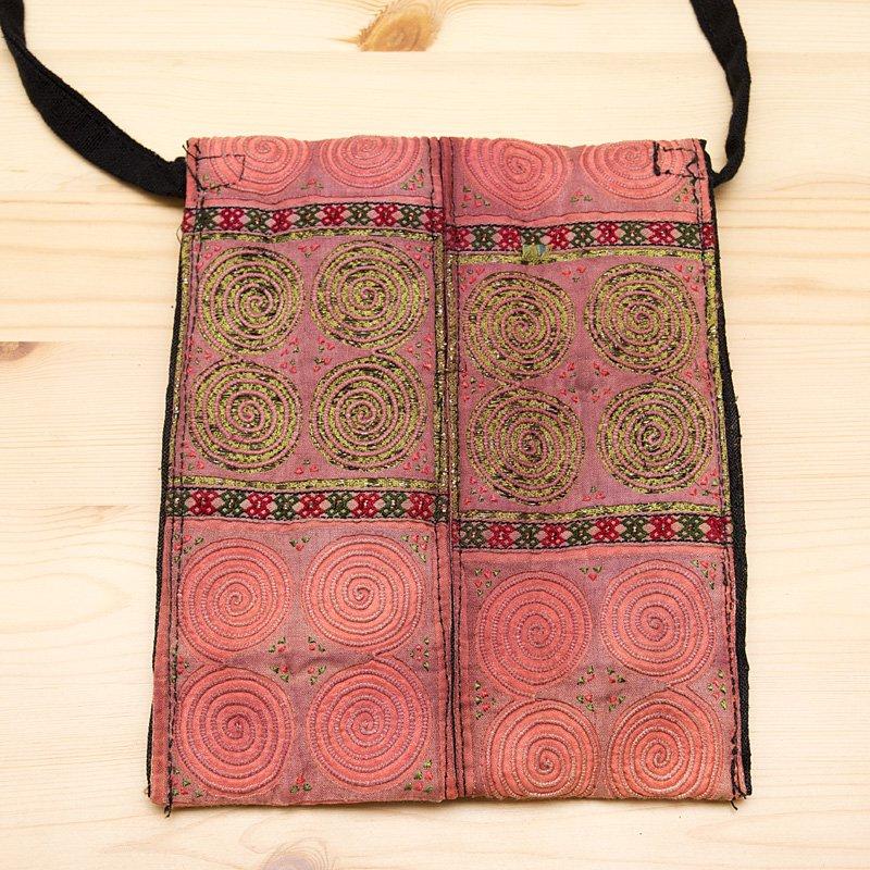 画像4:【モン族バッグ】白モン族の渦巻きポシェット(ピンク)|タイ民族雑貨