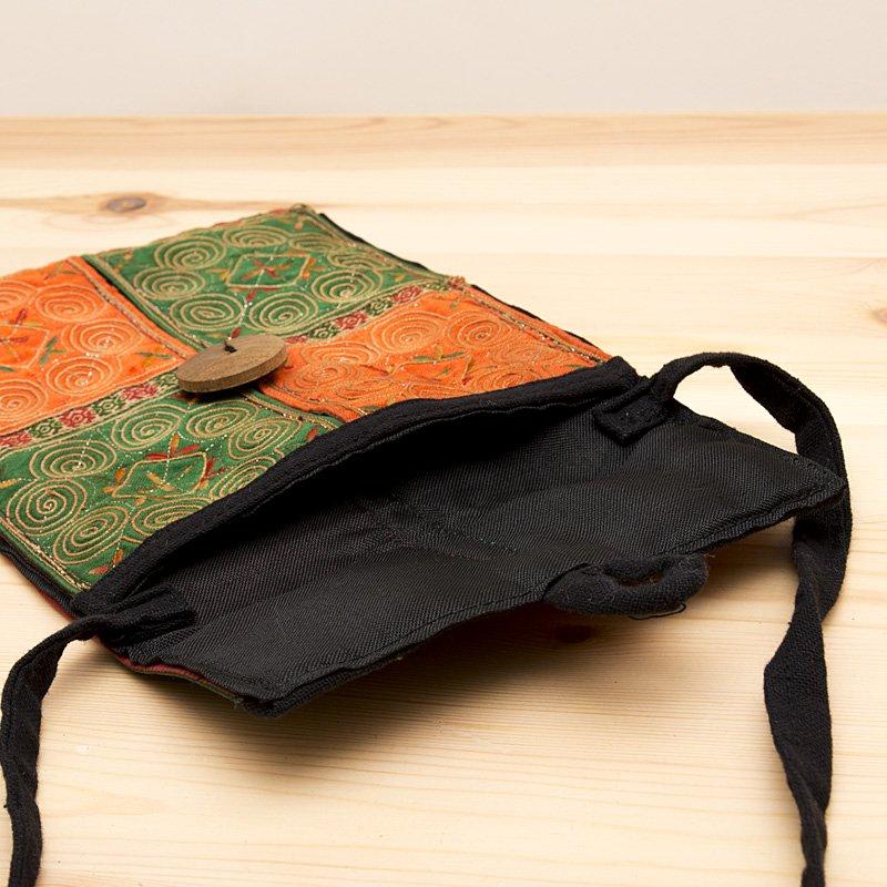 画像3:【モン族バッグ】白モン族の渦巻きポシェット(緑&橙)|タイ民族雑貨
