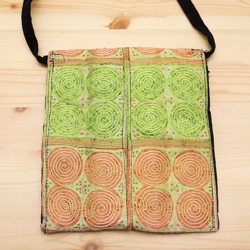 画像4:【モン族バッグ】白モン族の渦巻きポシェット(ライト)|タイ民族雑貨