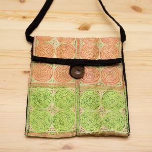 【モン族バッグ】白モン族の渦巻きポシェット(ライト)|タイ民族雑貨