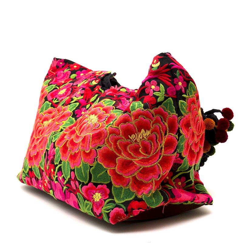 画像3:花モン族の色鮮やかなポンポン付トートバッグ|タイ民族雑貨