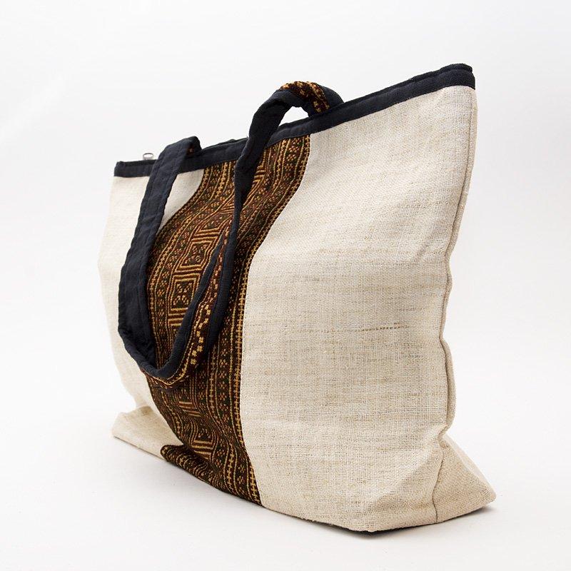 画像4:モン族刺繍のヘンプトートバッグ(ホワイト)/麻/デザイナーズバッグ