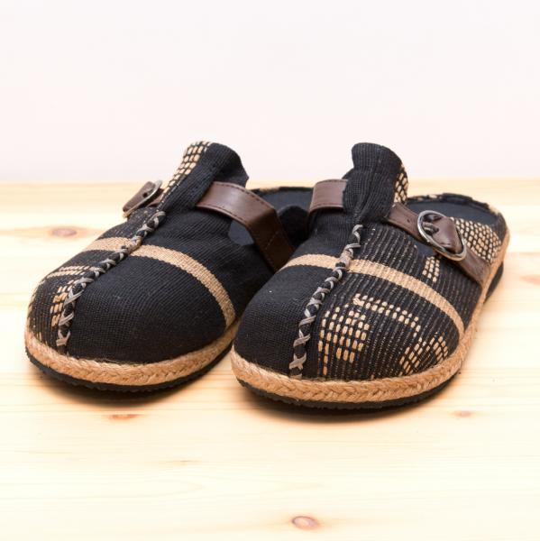 ナガ族刺繍のサボサンダル(ブラック)/ハンドメイド/民族雑貨