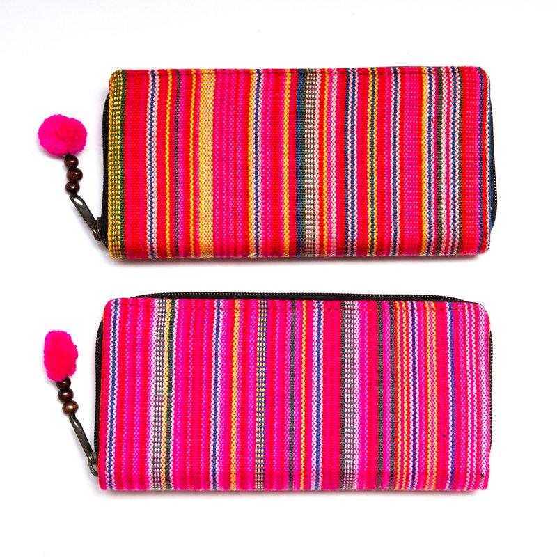 画像4:モン族 カラフル刺繍のラウンドファスナー長財布