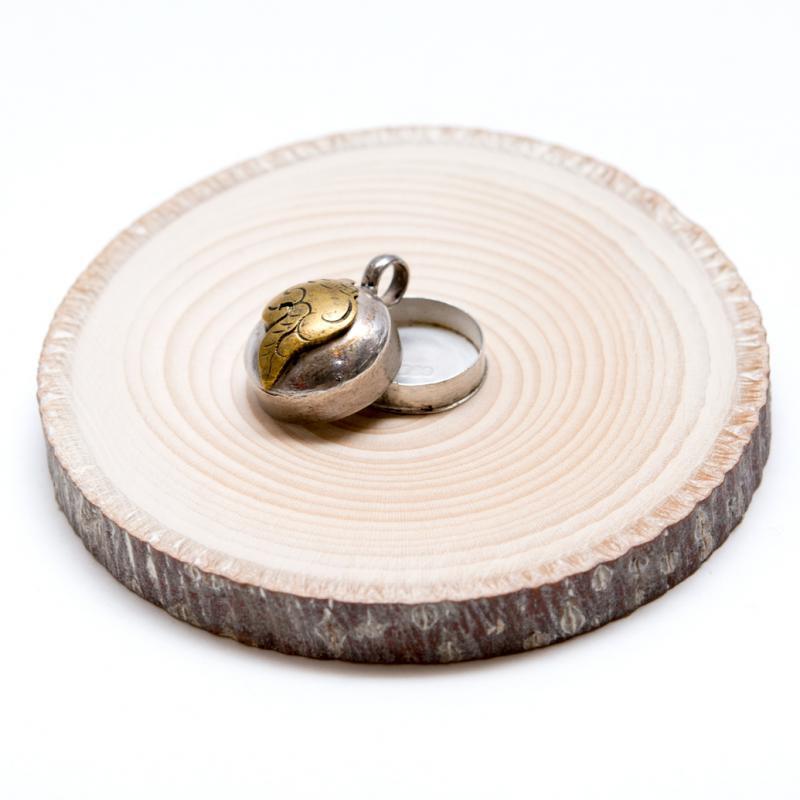 画像3:【チベット密教仏具】法螺貝(シャンカ)が刻まれたガウペンダント/シルバー925