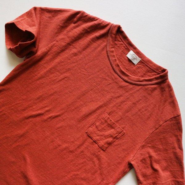 リブドバインダーネックポケットTシャツ