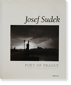 <img class='new_mark_img1' src='//img.shop-pro.jp/img/new/icons7.gif' style='border:none;display:inline;margin:0px;padding:0px;width:auto;' />POET OF PRAGUE: A PHOTOGRAPHER'S LIFE Josef Sudek ヨゼフ・スデク 写真集