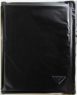 PRADA BLACK NYLON SS 2018 collection catalogue プラダ 2018年春夏 コレクションカタログ