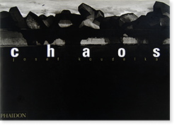 <img class='new_mark_img1' src='https://img.shop-pro.jp/img/new/icons7.gif' style='border:none;display:inline;margin:0px;padding:0px;width:auto;' />Chaos Second Edition JOSEF KOUDELKA ジョセフ・クーデルカ 写真集